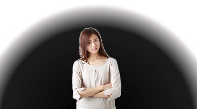 怒る女性2