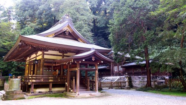 金鑚神社 2021-08 拝殿横