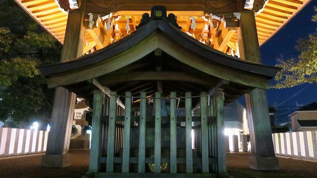 秩父夜祭 夜の御旅所 亀の子石